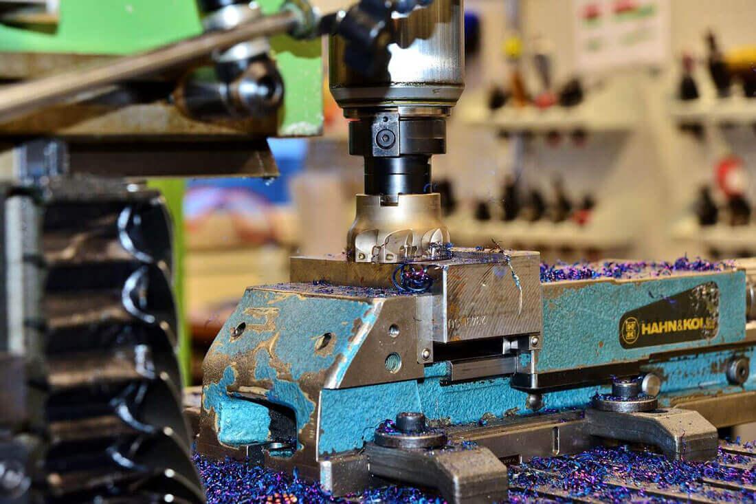 پارس صنعت طراحی وساخت قالب تزریق پلاستیک و طراحی و ساخت قالب دایکاست